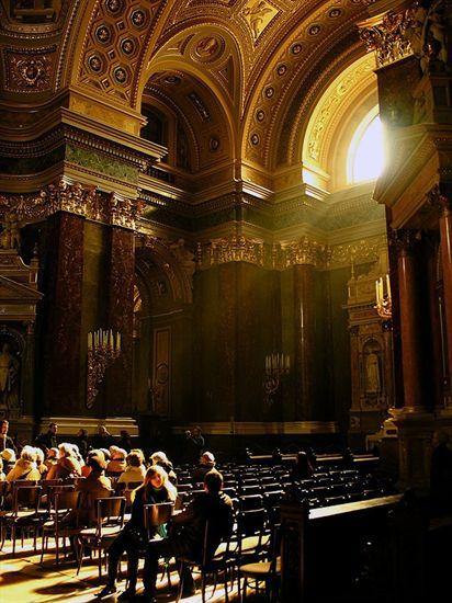 19-basilica-inside3