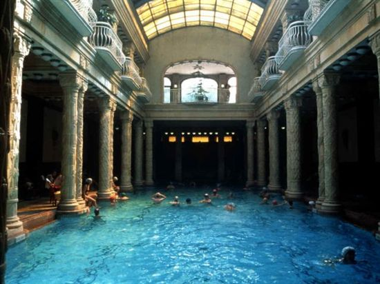 82_gellert_thermal_bath_budapest_hungary_500