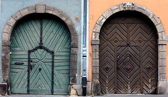 bud_doors